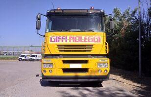 شاحنة نقل السيارات IVECO Magirus