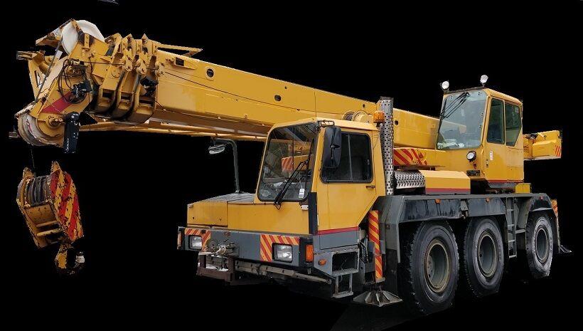 شاحنة رافعة LIEBHERR LTM 1040-3