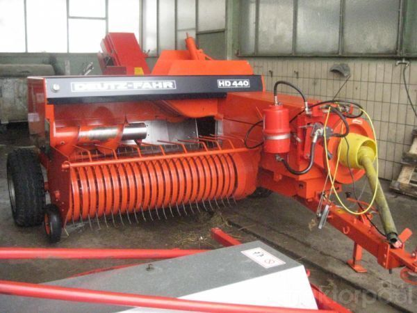 آلة جمع وكبس وحزم الأعلاف DEUTZ-FAHR HD440 HD460  HD490