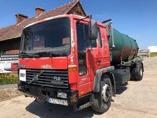 شاحنة الصهريج VOLVO FL618