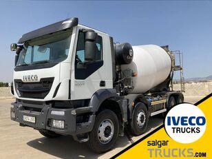 شاحنة نقل السيارات IVECO TRAKKER 400